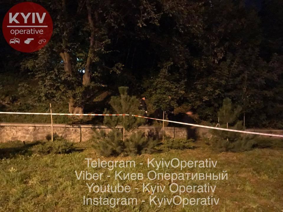 У Києві влаштували стрілянину і поранили поліцейського: всі деталі нічної події