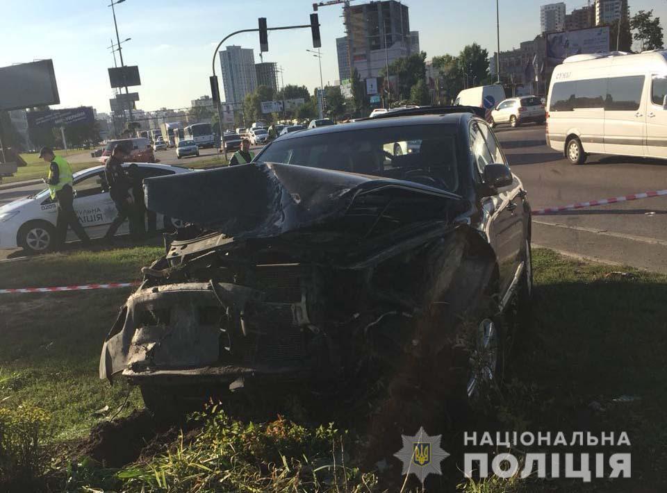 Авто перевернулося і врізалося в стовп: в Києві затримали винуватця смертельної ДТП