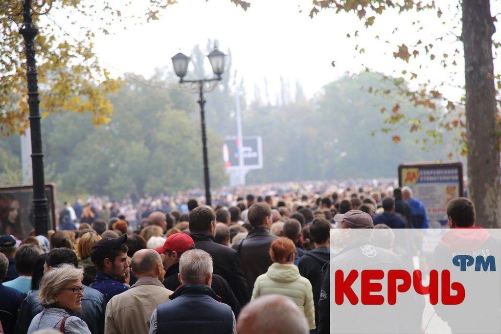 Трагедія в Керчі: з'явилися фото і відео прощання з жертвами Влада Рослякова
