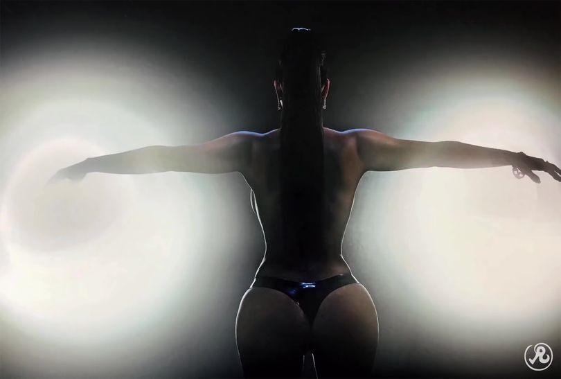 Голая Ким Кардашьян поразила сеть смелыми фото