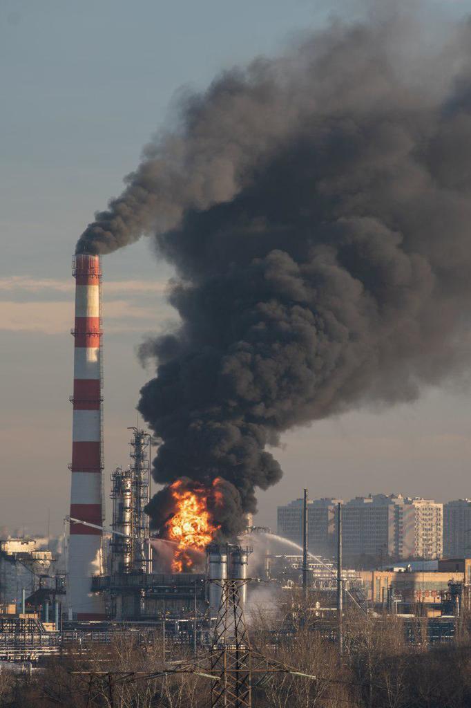 Появилось фото пожара в Капотне на 8:30 утра