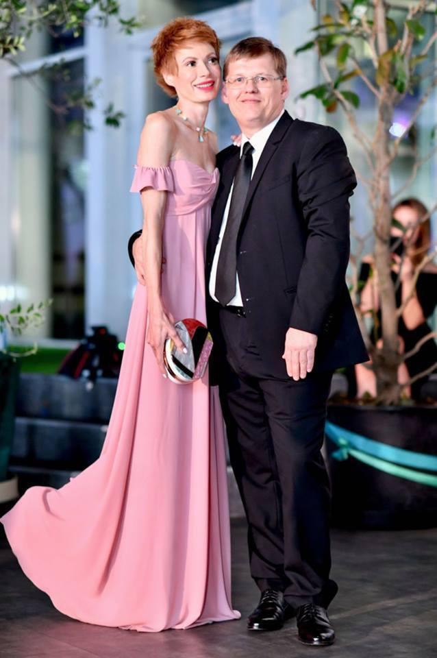 """""""У мене ФБ спалахнув!"""" Хто така Олена-Христина Лебідь і що у неї з віце-прем'єром Розенком"""