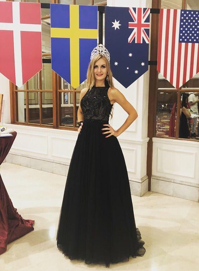 """Марія Свенссон (Хабарова): хто вона і як стала """"Місіс Швеція-2018"""". Фото"""