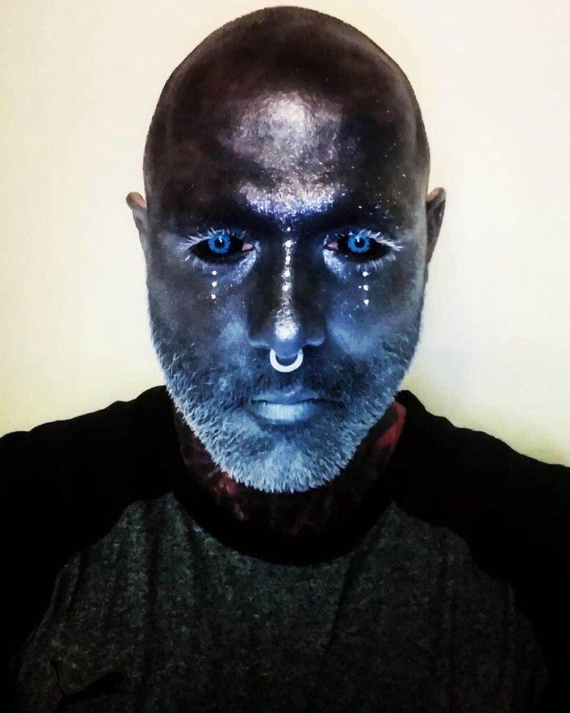 Адам Керликал набил тату на 90% тела. Кто он и зачем это сделал. Фото