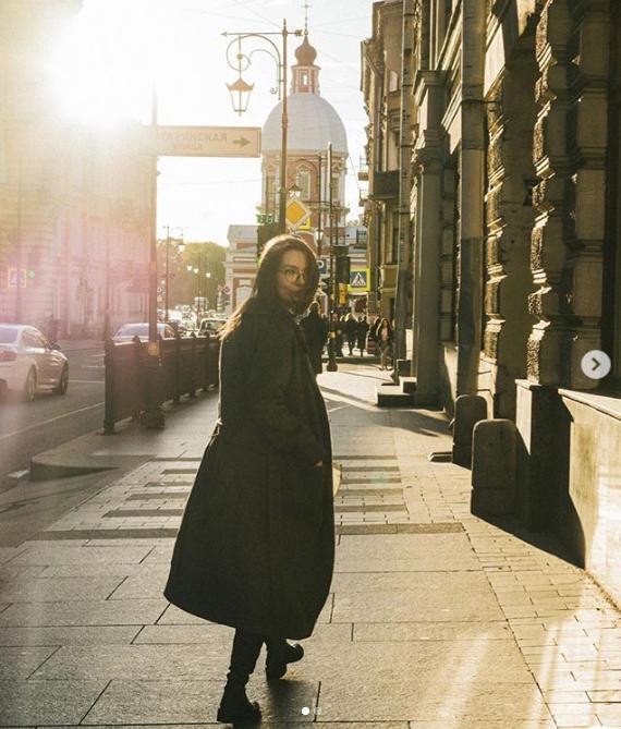 Серафіма Шнурова-Астаніна наробила галасу своїм фото. Хто вона і як раніше вела Інстаграм