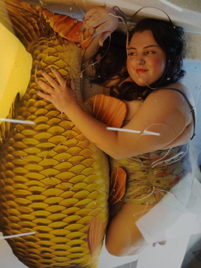 Alyona Alyona начала новую жизнь с эффектных фото в купальнике