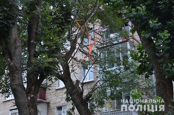 У Тернополі підстрелили поліцейську: відео з місця події та фото стрілка