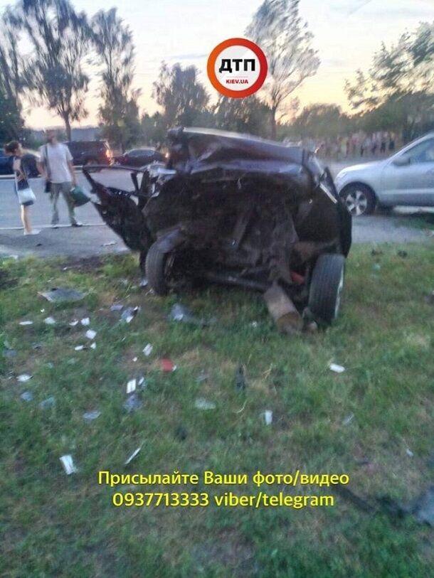 Машины в хлам: в сети показали фото жуткого ДТП в Киеве