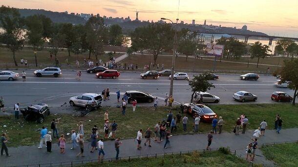 Летел на страшной скорости: появилось видео с моментом жуткого ДТП в Киеве