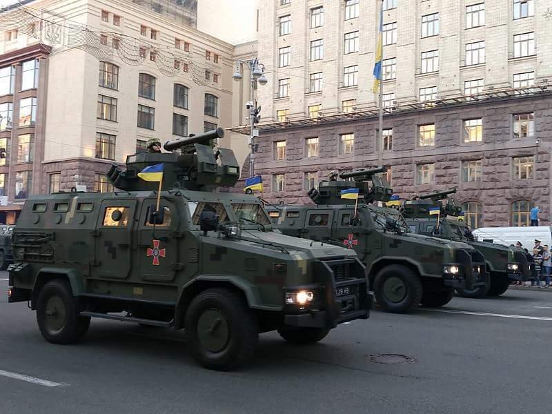 На репетиции парада в Киеве показали новейшее оружие украинской армии: яркие фото и видео
