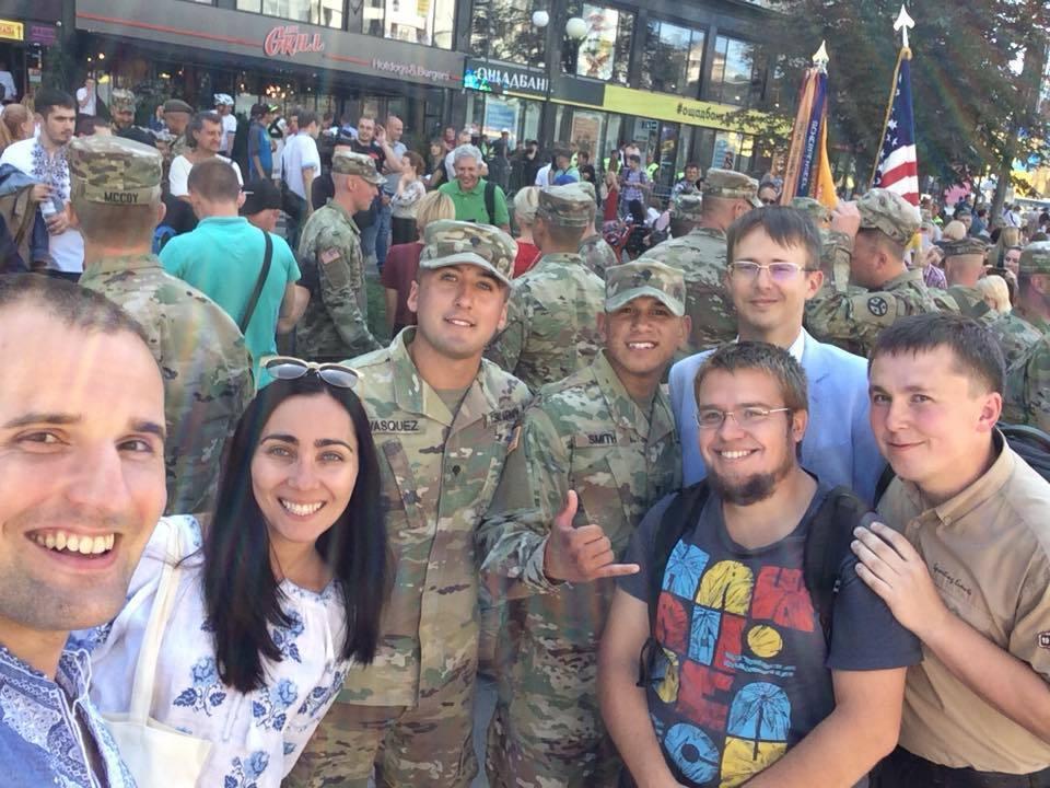 Парад у Києві: нові яскраві фото