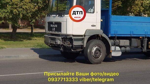 Дивом уцілів дитина: опубліковано фото і відео страшної аварії в Києві