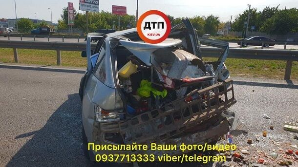 Чудом уцелел ребенок: опубликованы фото и видео страшной аварии в Киеве