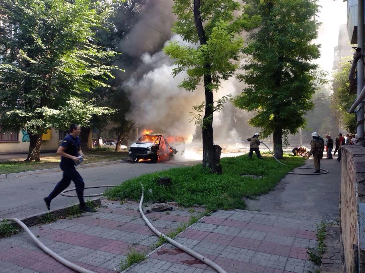 Під Дніпром намагалися вбити волонтера та депутата: опубліковано фото і відео