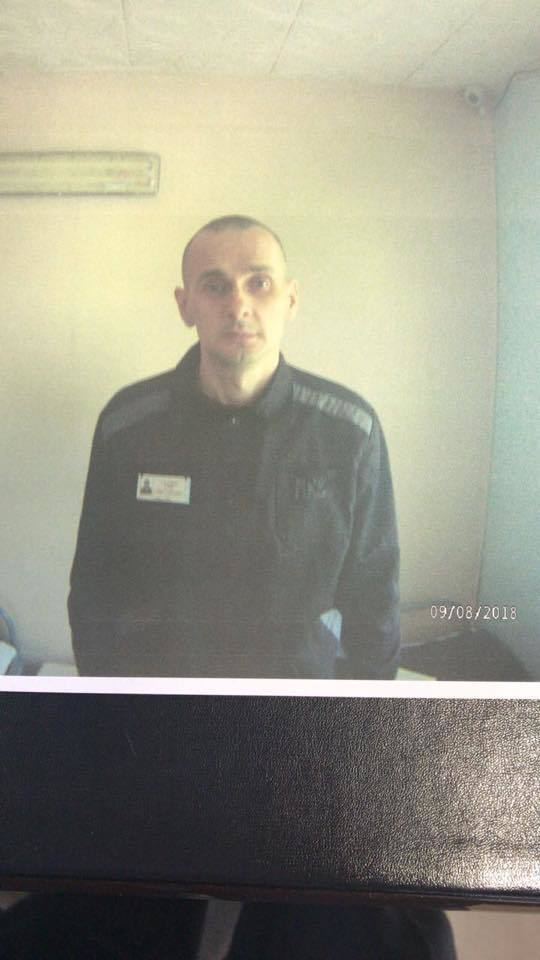 З'явилися свіжі фото Сенцова з російської в'язниці