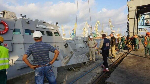 Артиллерийские катера Украины пустили в Азов: фото