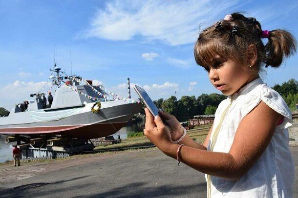 """Появились фото спуска на воду десантного катера """"Кентавр"""""""