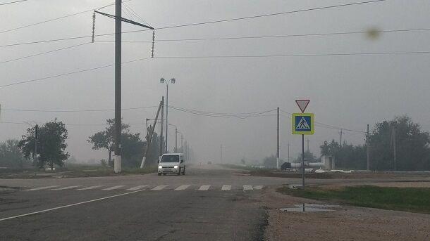 Затягнуло серпанком і смердить сіркою: з'явилися нові фото небезпечних викидів в Криму