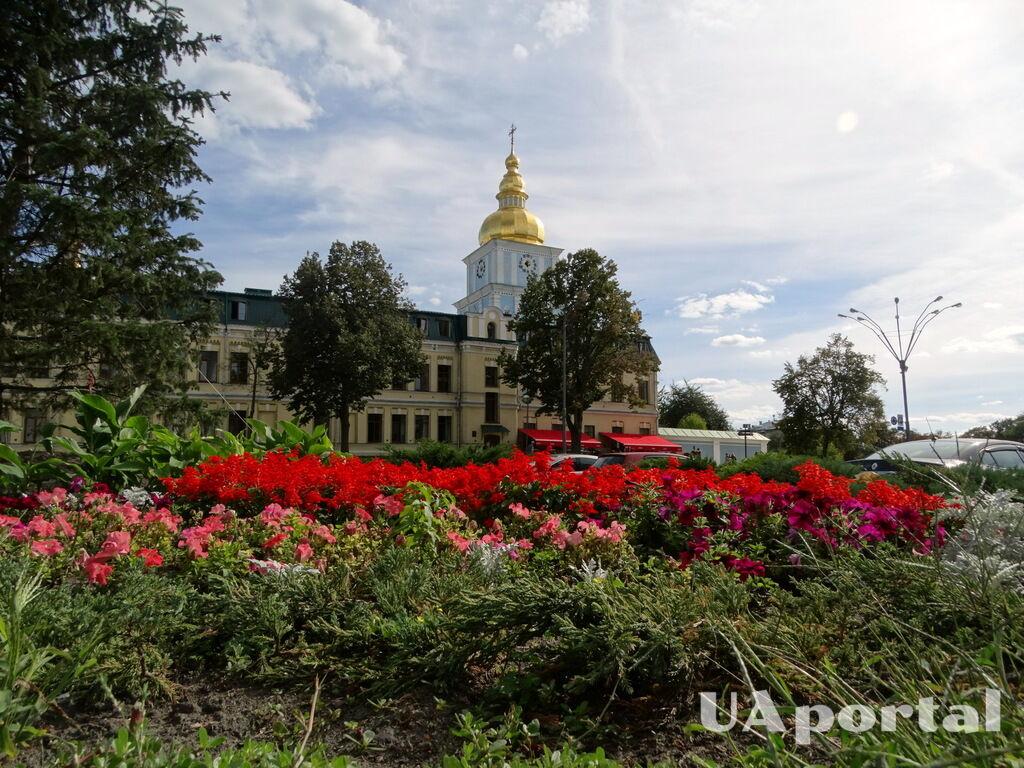 Колокольня Михайловского Златоверхого собора