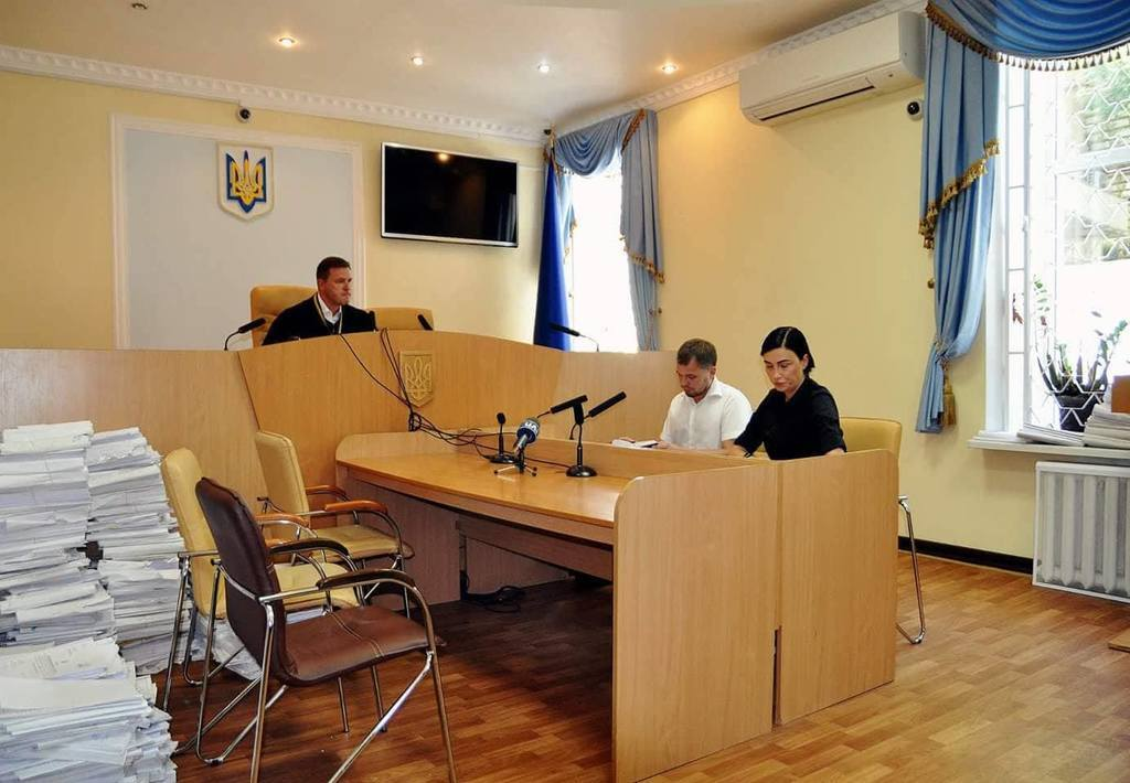 Певица Анастасия Приходько судится с создателями промо-ролика президента Украины Петра Порошенко