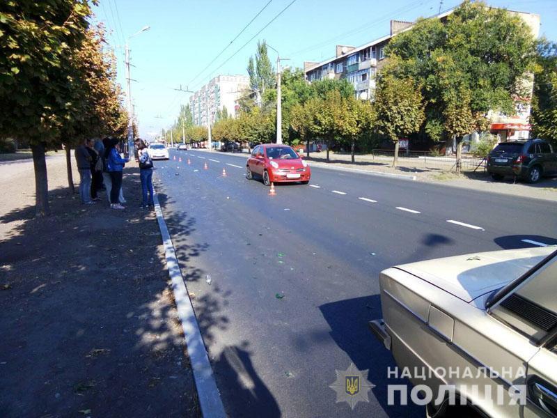 На Донбасі в ДТП загинула старенька: фото з місця аварії