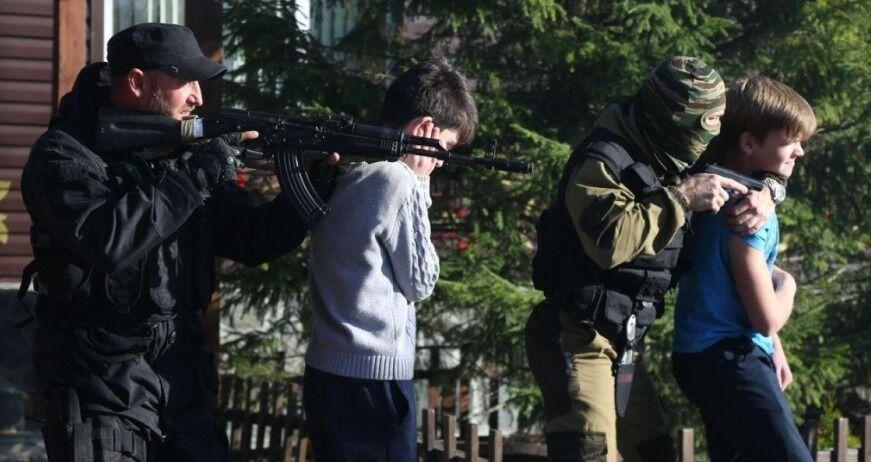 Повторили теракт в Беслані: в Росії провели шалену акцію за участю дітей, фото
