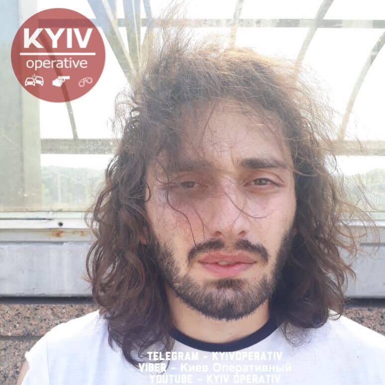 У Києві зловили банду небезпечних домушників: мережу розбурхали фото злочинців