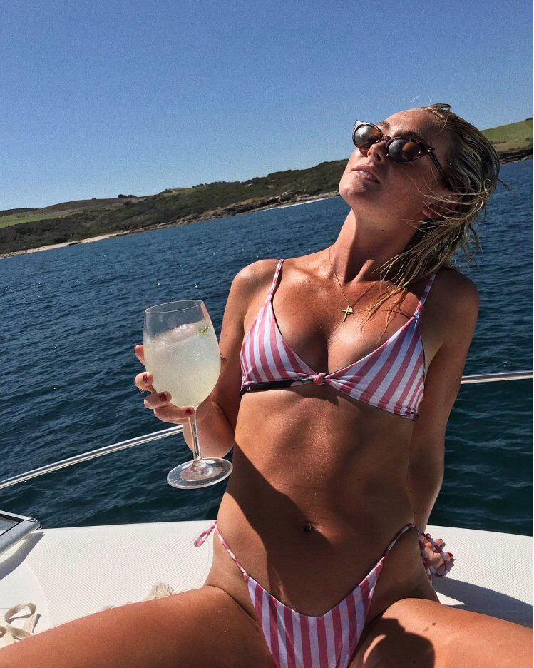 Смерть австралийской модели на яхте мексиканского миллиардера: загадочные веревки и фото красивой жизни