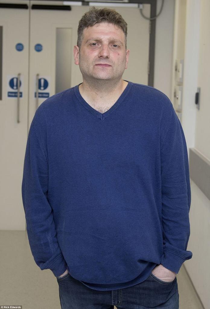 Ендрю Уорлд впав у кому: що за гучна історія з біонічним пенісом
