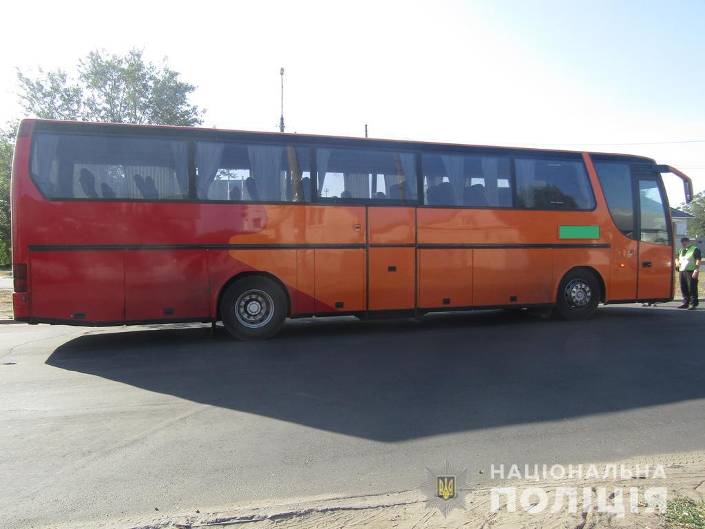 На Донбасі дитина потрапила в серйозну ДТП по дорозі в школу: фото