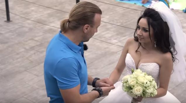 Винник ощасливив чужу наречену на пляжі: опубліковані фото і відео