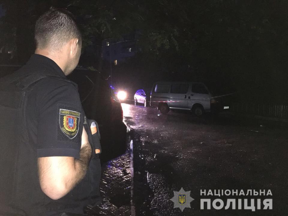 В Одессе устроили стрельбу по известному активисту: фото и видео с места ЧП