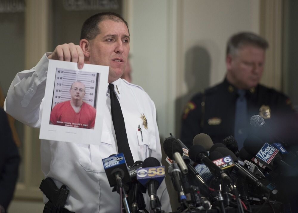 В США 13-летняя Джейм Клосс сбежала от убийцы, удерживавшего ее силой 3 месяца