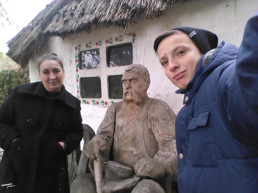 Марина и ее сын Вячеслав Кротов