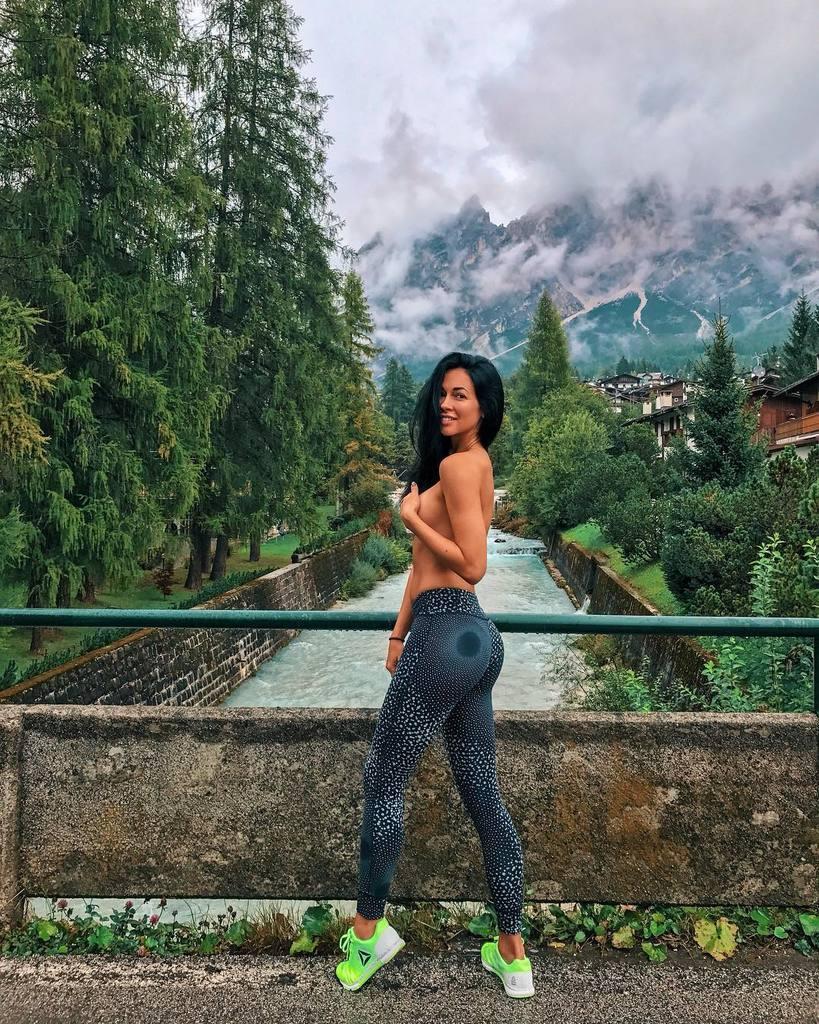 Анастасия Тукмачева: с кем флиртует Влад Топалов, что о ней известно