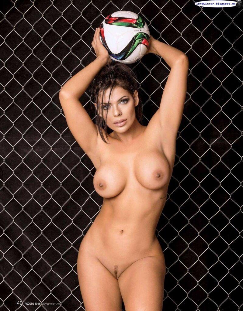 Хто така Сьюзі Кортес і її фото 18+ для Playboy