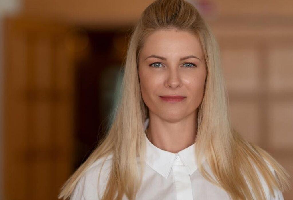 Кто такая Юлия Гришина и как попала на провокационное фото из Рады