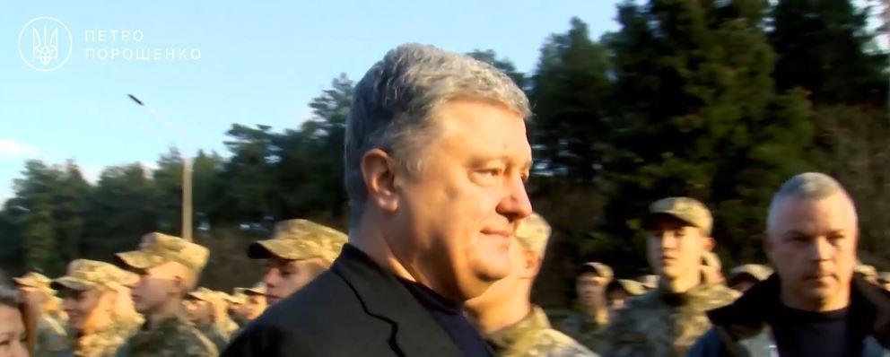 """Порошенко после смеха Кошевого над его болезнью улыбнулся """"козацкой дуле"""", видео"""