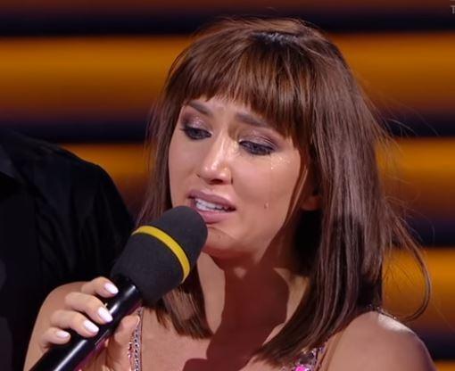 Анна Ризатдинова плачет