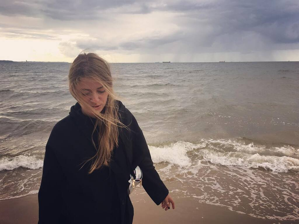"""Как Дарья Петрожицкая попала в сериал """"Папик"""" и какие фото она постит в Инстаграм"""