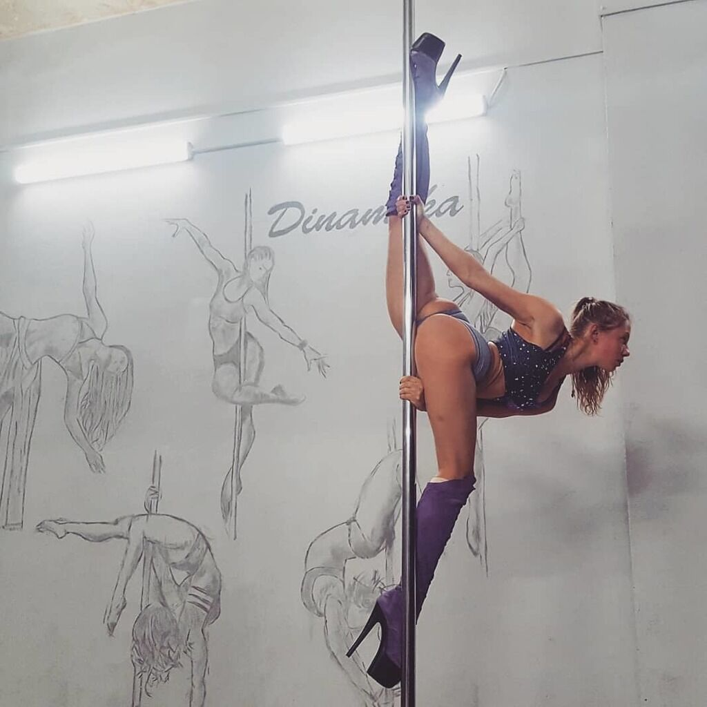 Марина Корженевська ризикнула життям в еротичному танці: хто вона і що ще витворяє
