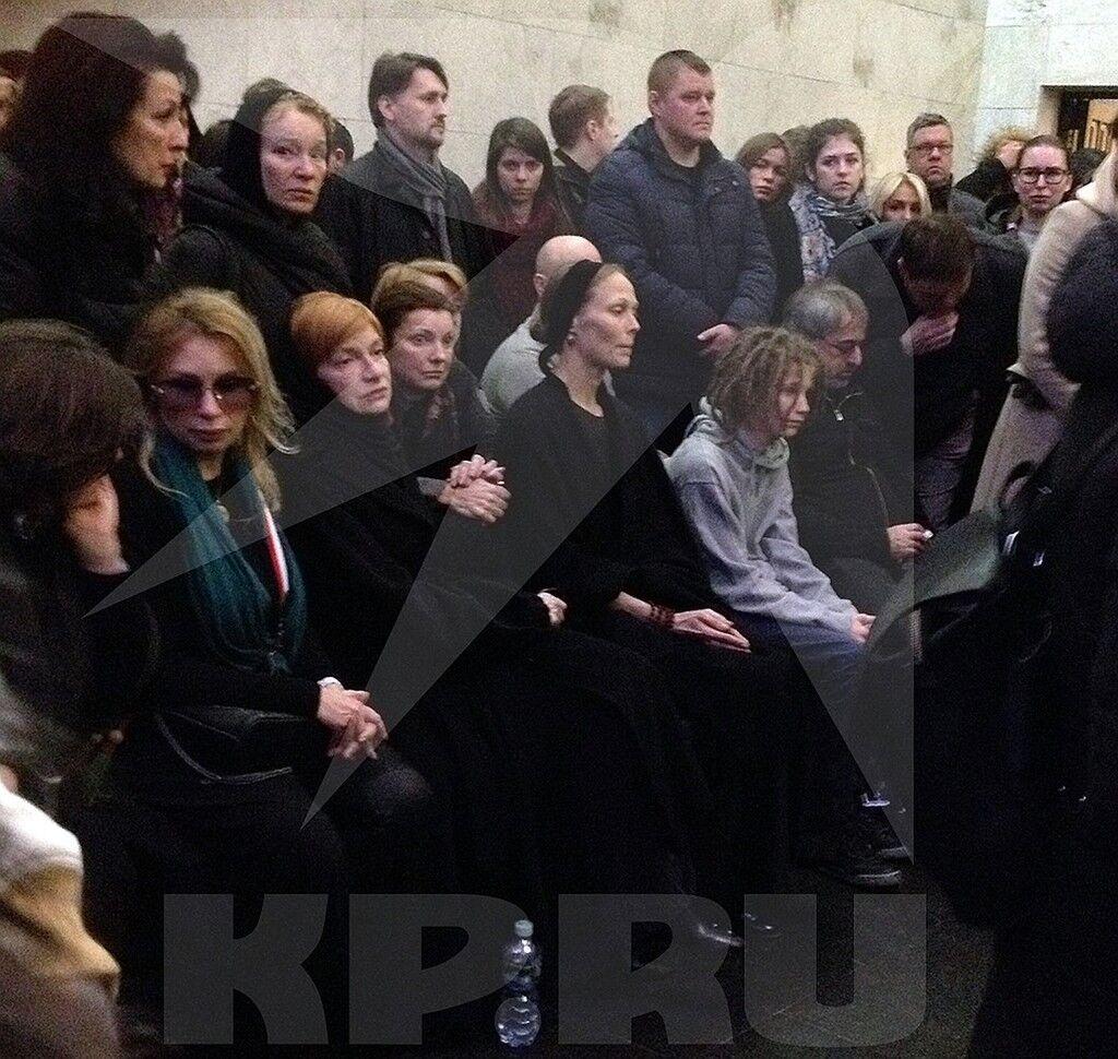 Тони Толмацкий: кто он и чем растрогал на похоронах Децла, фото