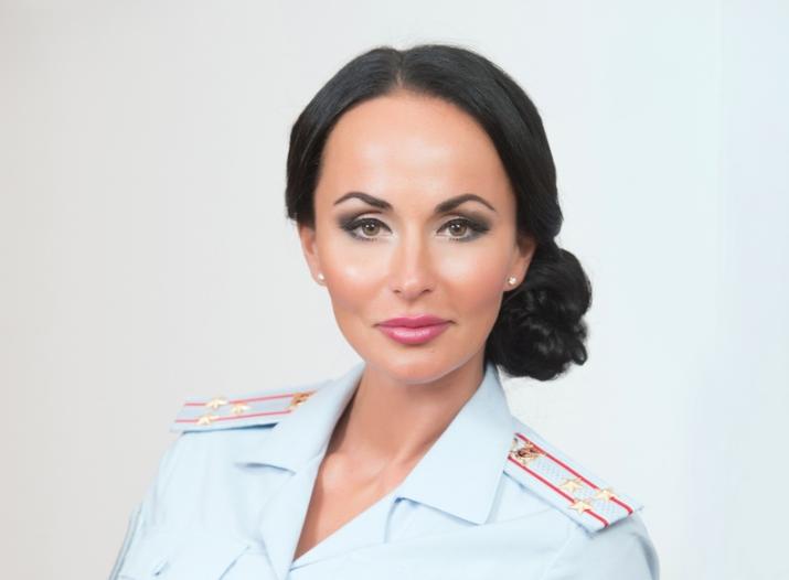 Ирина Волк: кто она, горячие фото сексуальной полицейской из России