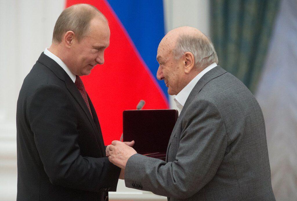 """""""Юморист"""": в скандале со Жванецким и орденом от Путина нашли неожиданное"""