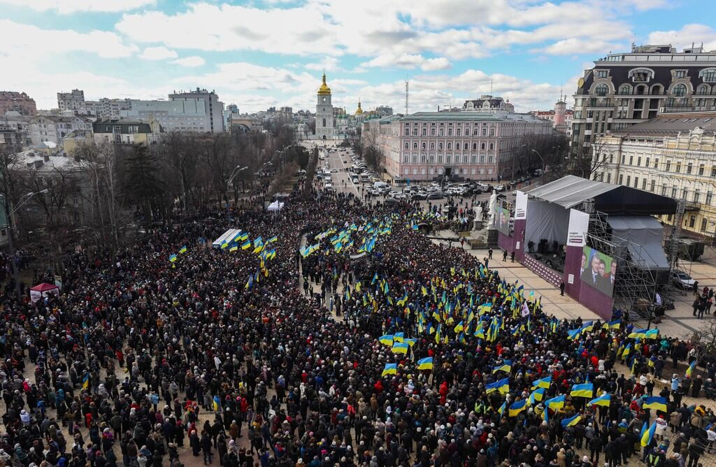 """""""И где достоинство?"""" Массовка Порошенко в Киеве взбесила украинцев"""