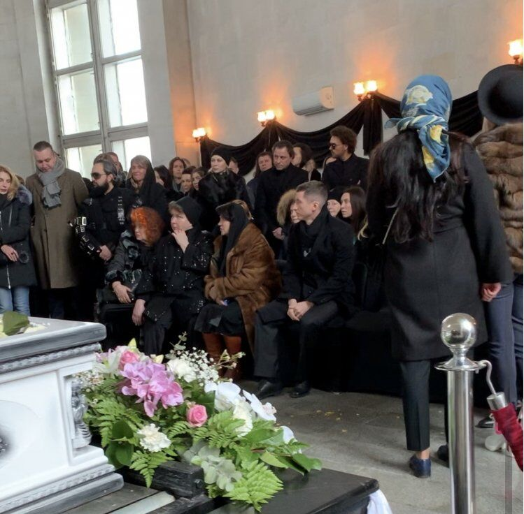 Незважаючи на заборону: журналісти зробили фото труни з Началовою