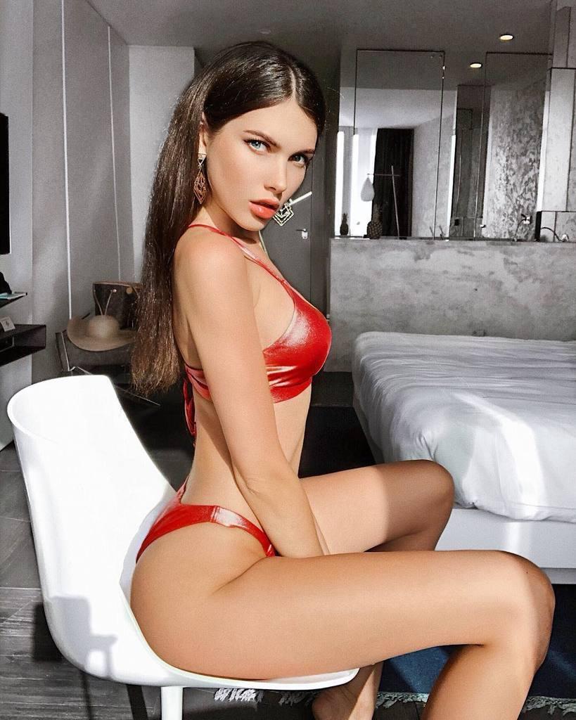 Алеся Семеренко: які відверті фото і відео вона публікує в Інстаграм