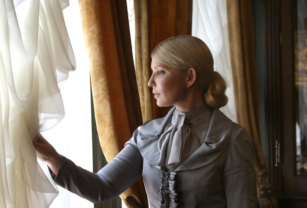 """Старушка или школьница? Юлия Тимошенко получила """"модный приговор"""", фото"""