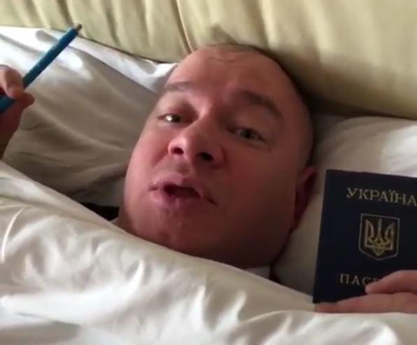"""""""Первый раз в жизни пойду голосовать"""": Как Зеленский мобилизует свой электорат"""