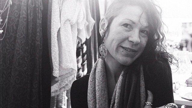 Кріс Еванс (Ольга Пітерс): чим жахає прихильників Сталіна його внучка, фото